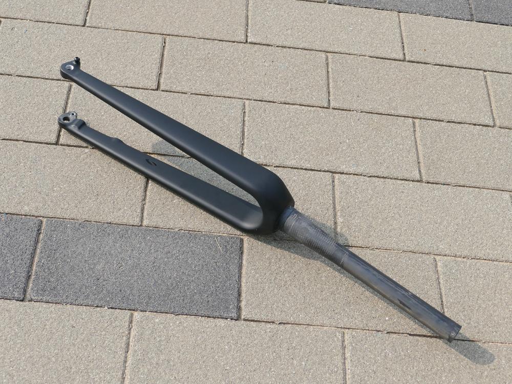 FK-09 ( Gravel , Axle 12mm )